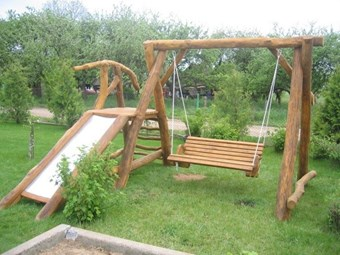 Columpio madera jardin tobogan vaes casas de madera for Tobogan piscina segunda mano