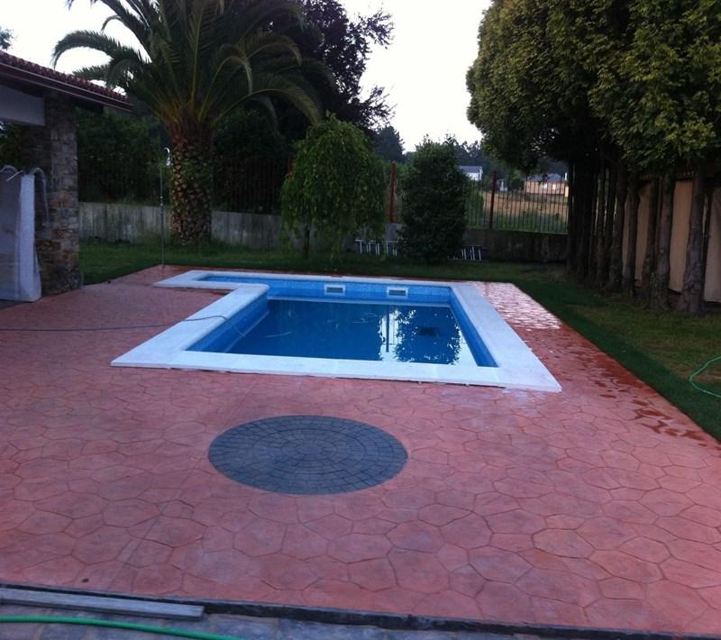 Piscina de 7 5x3 5 metros vaes piscinas hormigon liner for Piscina 5 metros diametro